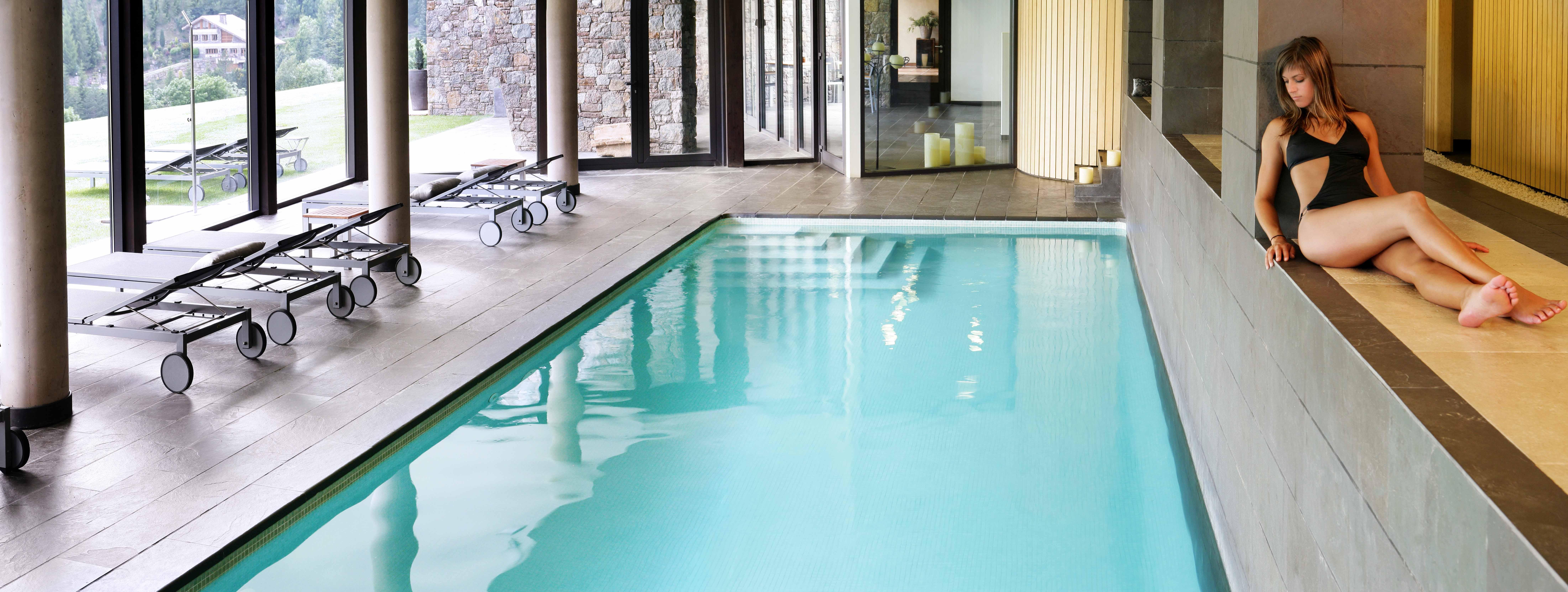 Senderismo en girona hotel resguard for Temperatura piscina climatizada