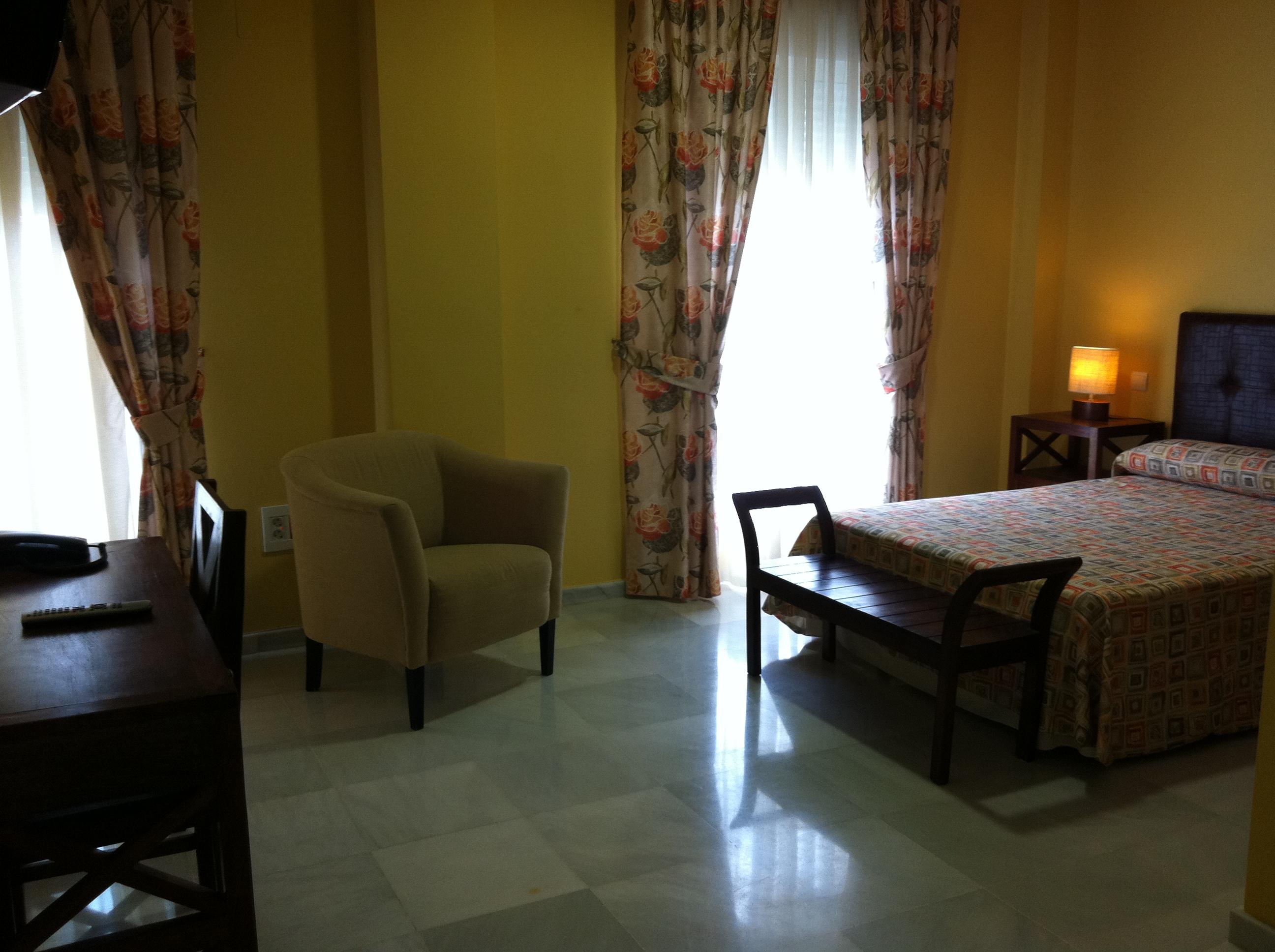 Senderismo en sevilla hotel lince for Habitaciones cuadruples en sevilla