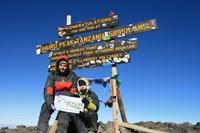 Ascensión al Kilimanjaro por la ruta Marangu.