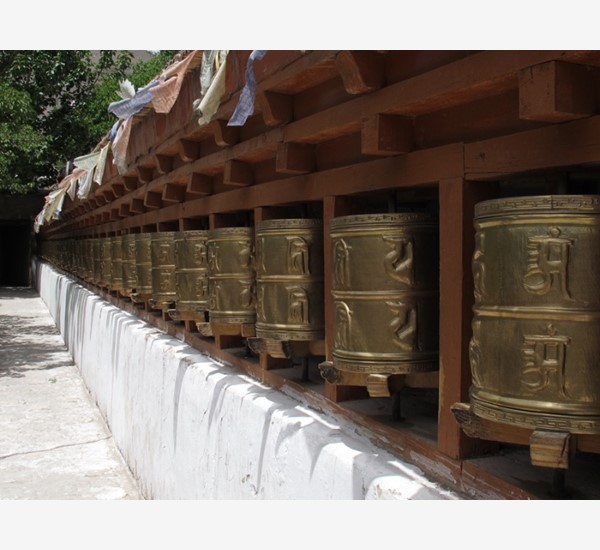 alchi-prayer-wheels-entrance-1