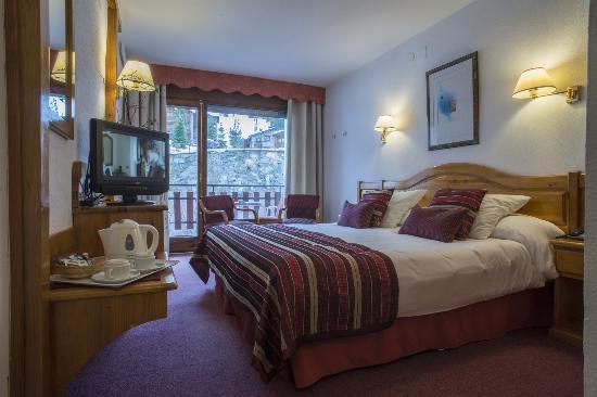 Senderismo en andorra hotel del tarter for Habitacion familiar andorra